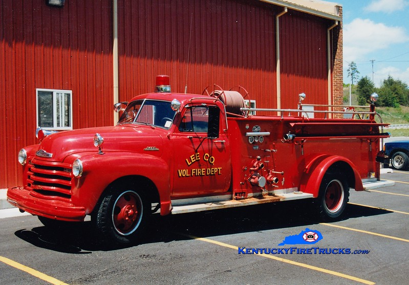 Lee County  Engine 305<br /> 1953 GMC/Oren 500/200<br /> Greg Stapleton photo