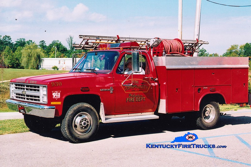 RETIRED <br /> Tri-Community Brush 930<br /> x-Lee County FD, KY<br /> 1988 Chevy 4x4/Reading 250/250<br /> Greg Stapleton photo