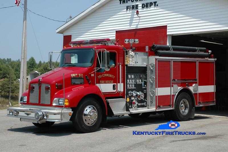 <center> Tri-Community  Engine 910 <br> 2004 Kenworth T-300/Pierce 1250/1000 <br> Greg Stapleton photo </center>
