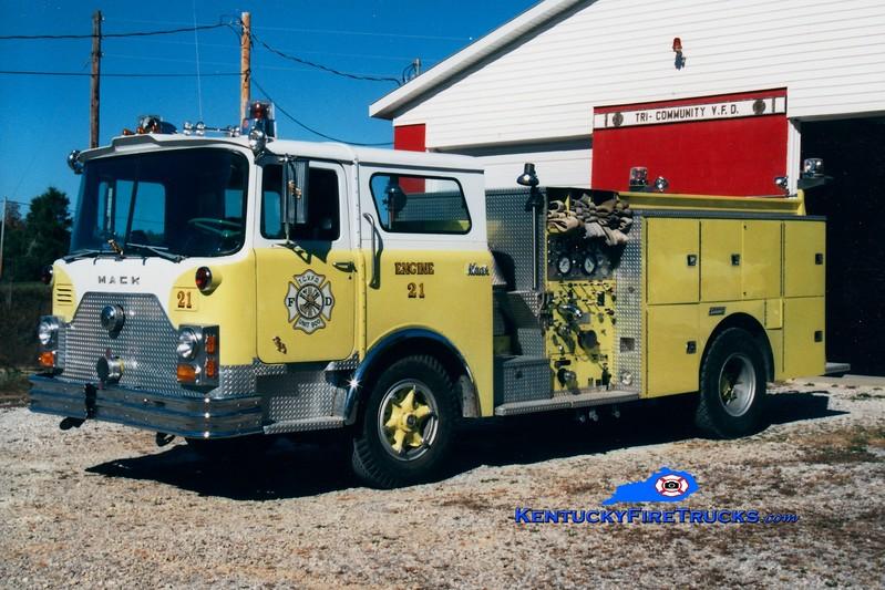 <center> RETIRED <br> Tri-Community  Engine 200 <br> x-FDNY; Franklin, OH <br> 1971 Mack CF/Summit 1000/500 <br> Greg Stapleton photo </center>