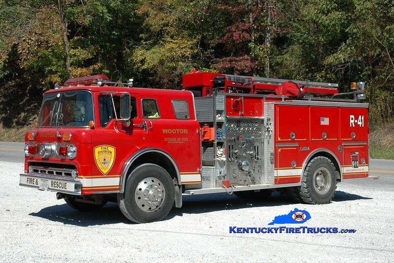 <center> RETIRED <br> Wooten  Rescue 441 <br> x-Lebanon, OH <br> 1985 Ford C/FMC 1250/750  <br> Greg Stapleton photo </center>