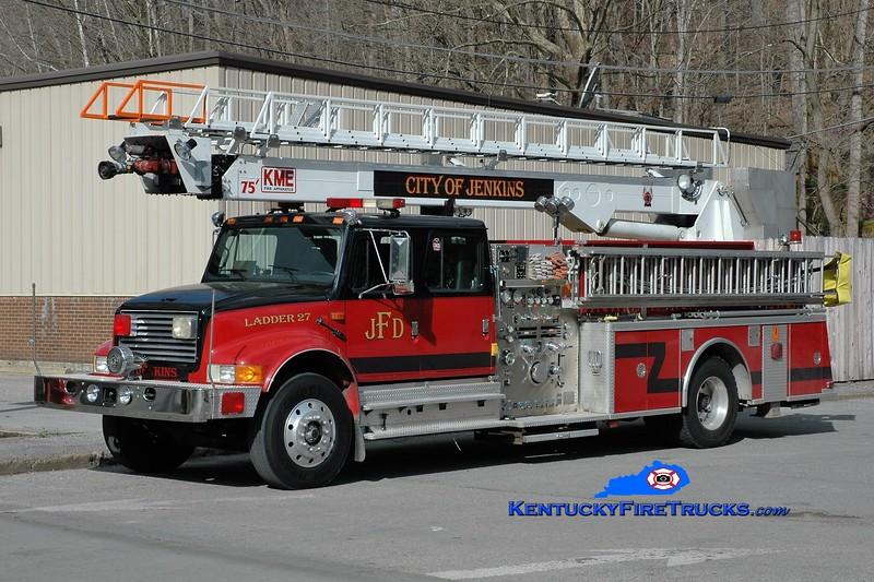 Jenkins  Ladder 27<br /> x-Brentwood, TN <br /> 1992 International 4900/KME 1250/300/75' FireStix <br /> Greg Stapleton photo