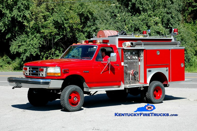 <center> Mayking  Rescue 1 <br> x-Scott County, KY <br> 1992 Ford F-350 4x4/E-One 450/300 <br> Greg Stapleton photo <br> </center>