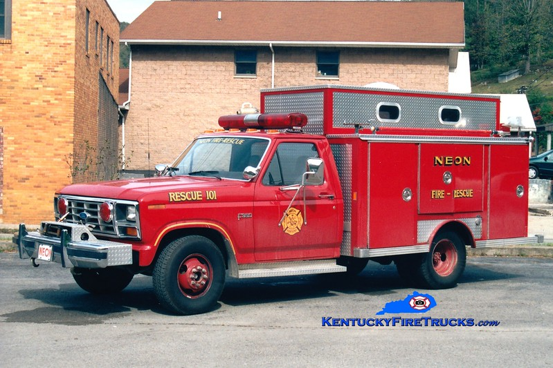 <center> Neon  Rescue 101 <br> 1985 Ford F-350/E-One <br> Greg Stapleton photo </center>