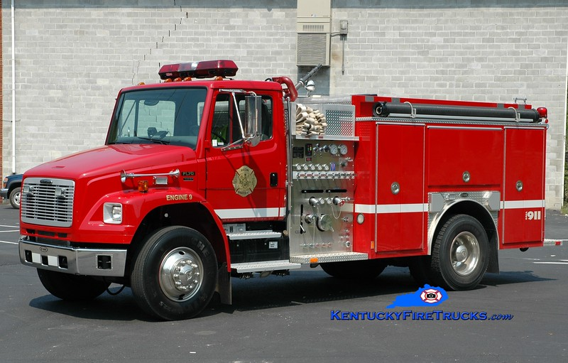 <center> Neon  Engine 9 <br> 2003 Freightliner FL70/E-One 1250/1000 <br> Greg Stapleton photo </center>