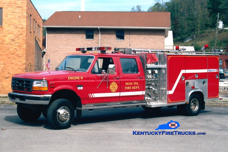 <center> Neon  Engine 8 <br> 1998 Ford F-450 4x4/Southern 250/300 <br> Greg Stapleton photo </center>