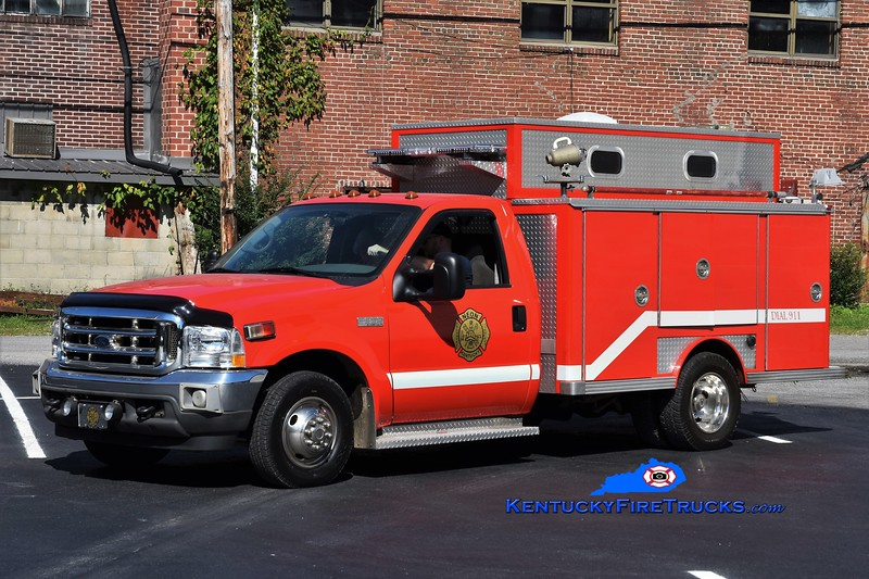 Neon  Rescue 101<br /> 2001 Ford F-350/1985 E-One<br /> Greg Stapleton photo