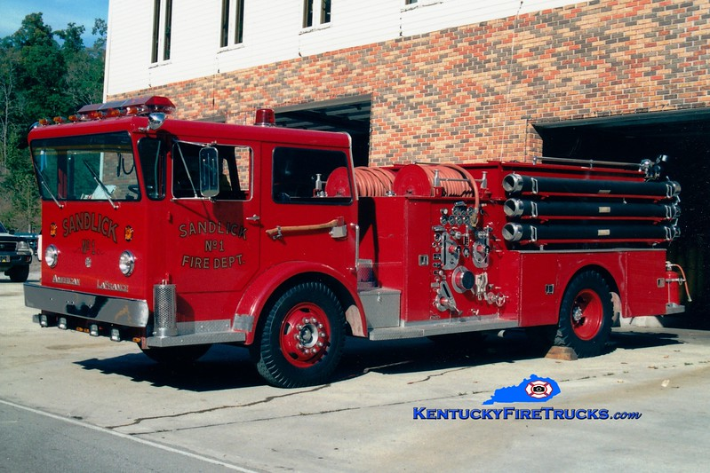 <center> RETIRED <br> Sandlick  Engine 1 <br> x-Hampden Twp, PA <br> x-Jenkins, KY <br> 1966 American LaFrance Pioneer 1000/1000 <br> Greg Stapleton photo <br> </center>