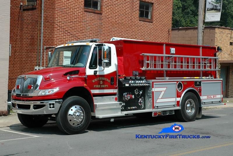 <center> Whitesburg  Engine 5 <br> 2010 International 4400/KME 1250/2000 <br> Greg Stapleton photo </center>