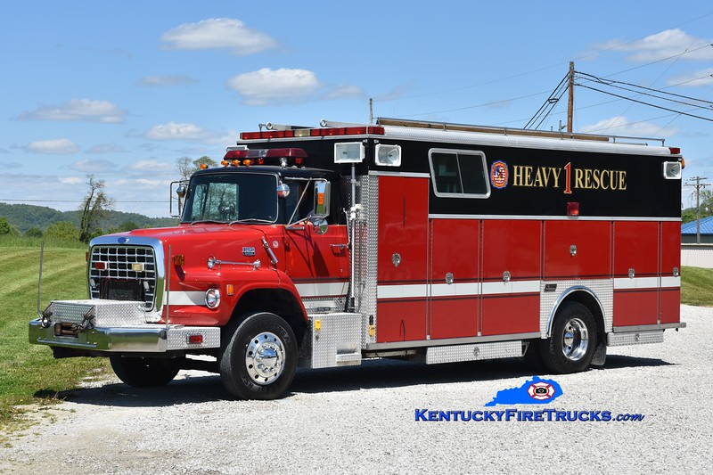 Black Oak  Rescue 1<br /> x-Florence and Olive Hill, KY<br /> 1988 Ford LS-9000/Saulsbury<br /> Greg Stapleton photo