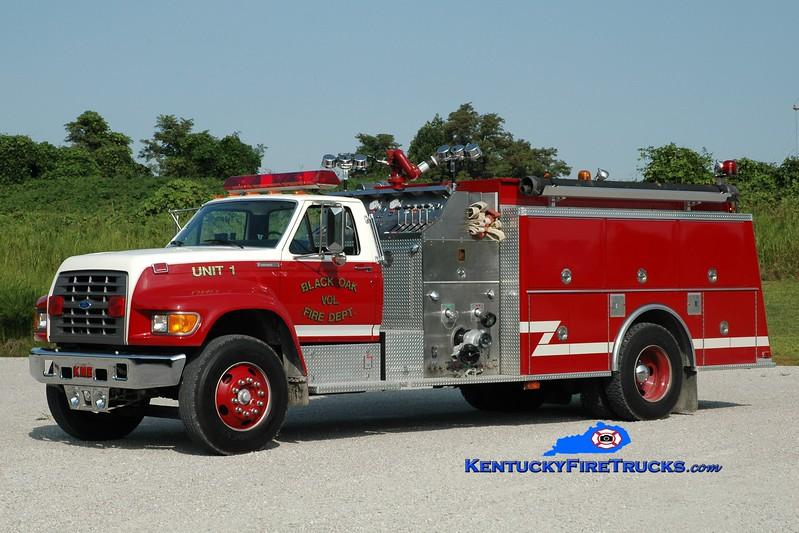 <center> Black Oak  Engine 1 <br> 1995 Ford F-800/KME 1250/1000 <br> Greg Stapleton photo </center>
