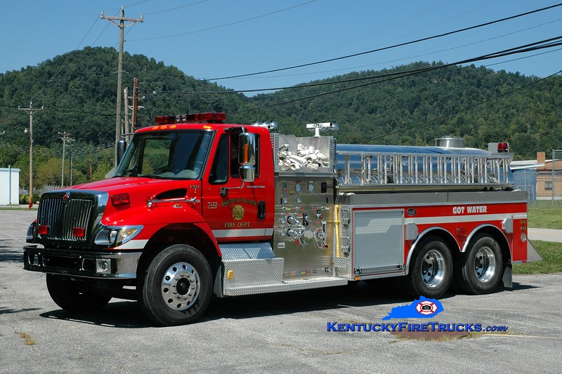 <center> Lewis County  Tanker 2 <br> 2006 International 7400/Bluegrass 1000/2500 <br> Greg Stapleton photo </center>