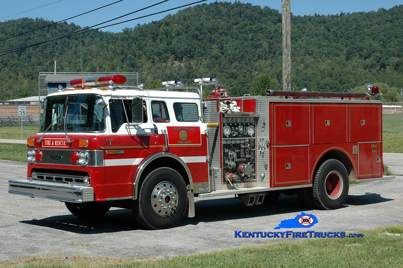 <center> Lewis County Engine 1 <br> x-Hebron, OH <br> 1983 Ford C-8000/Pierce 1000/1000 <br> Greg Stapleton photo </center>