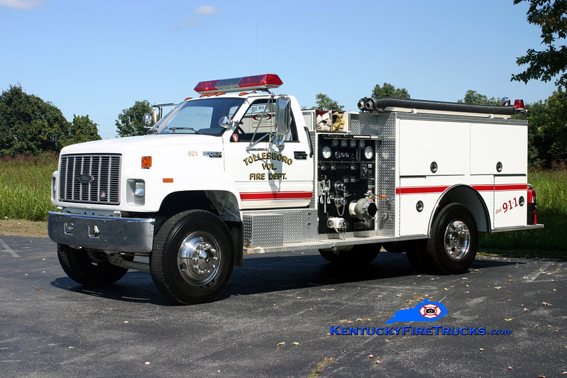 <center> Tollesboro  Engine 801 <br> 1992 Chevy Kodiak/Pierce 1000/750 <br> Kent Parrish photo </center>