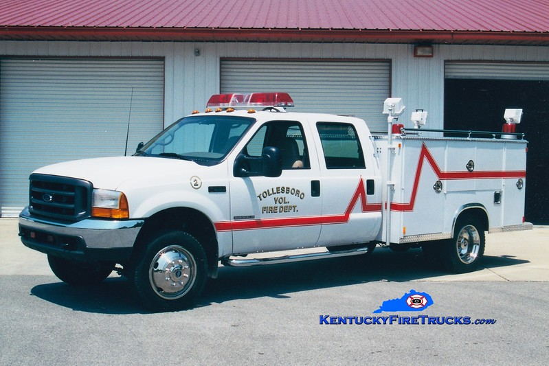 <center> RETIRED <br> Tollesboro  Rescue 2 <br> 2000 Ford F-550 4x4/Tebco  <br> Greg Stapleton photo </center>