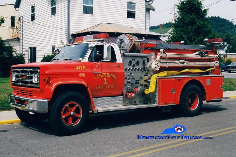<center> Vanceburg  Engine 402 <br> 1983 GMC/Grumman 1000/750 <br> Greg Stapleton photo </center>