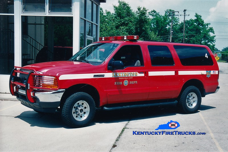 Lexington Car 204<br /> 2000 Ford Excursion 4x4<br /> Greg Stapleton photo