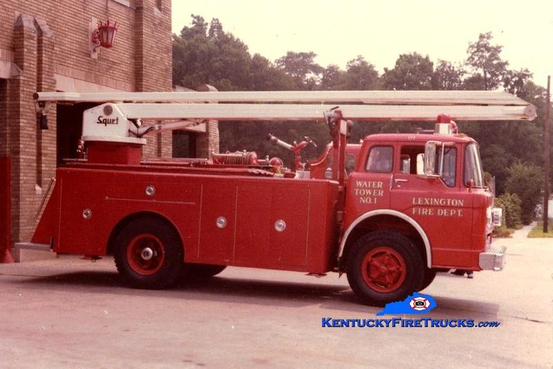 <center> RETIRED <br> Lexington  Water Tower 1 <br> 1970 Ford C-750/LFD 54' Squrt <br> Greg Stapleton collection </center>