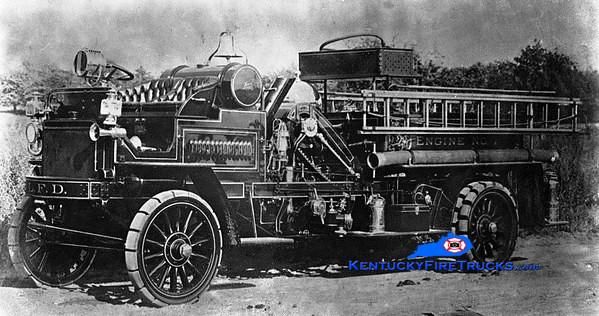 <center> RETIRED <br> Lexington  Engine 1 <br> 1911 Knox <br> Greg Stapleton collection </center>