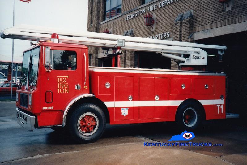 <center> RETIRED <br> Lexington  Water Tower 1 <br> 1979 Mack MC/LFD 54' Squrt <br> Greg Stapleton photo </center>