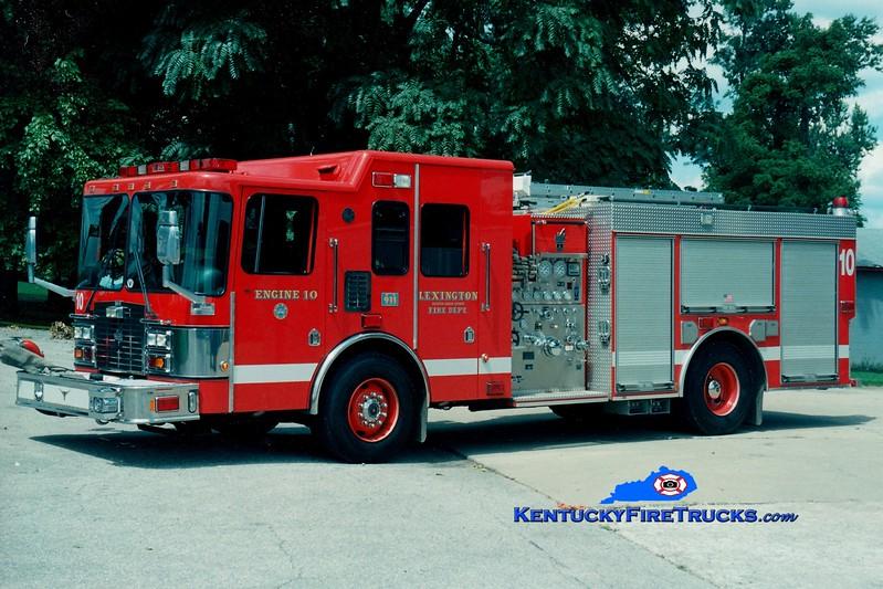 <center> Lexington, KY  Engine 10 <br> 2000 HME/Smeal 1250/1000 <br> Greg Stapleton photo </center>