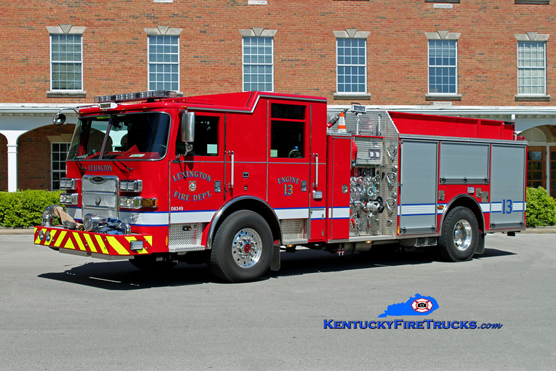 <center> Lexington, KY  Engine 13 <br> 2011 Pierce Arrow XT 1500/1000/25 <br> Kent Parrish photo </center>