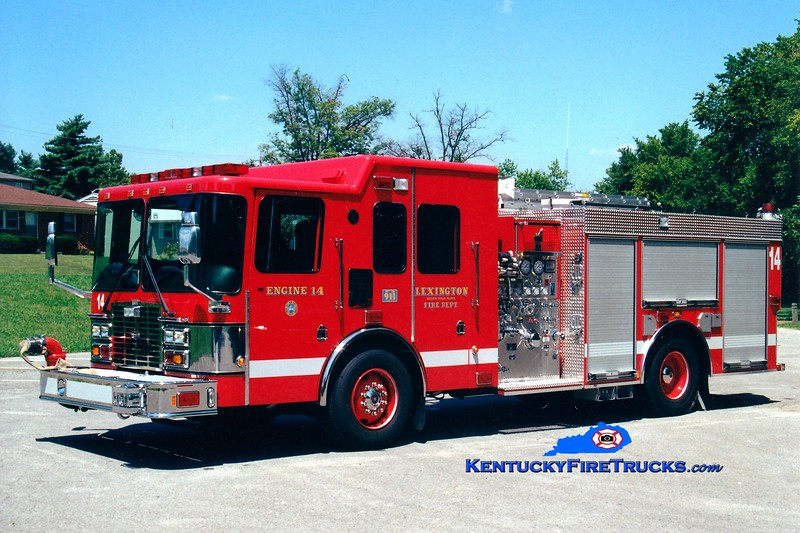 <center> Lexington Reserve Engine <br> x-Engine 14 <br> 2000 HME/Smeal 1250/1000 <br> Greg Stapleton photo </center>