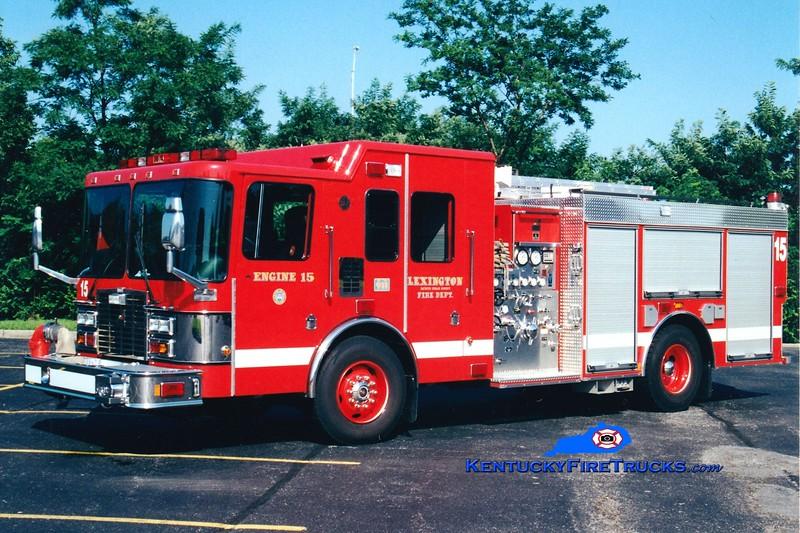 <center> RETIRED <br> Lexington  Engine 15 <br> 2000 HME/Smeal 1250/750 <br> Greg Stapleton photo </center>