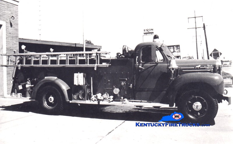 <center> RETIRED <br> Lexington  Engine 16 <br> x-Fayette County FD, KY <br> 1954 Mack B 750/800 <br> Greg Stapleton collection </center>