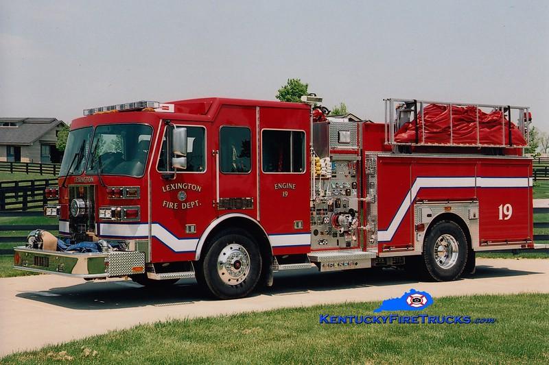 <center> Lexington  Engine 19 <br> 2005 Sutphen 1500/1000/50 <br> Greg Stapleton photo </center>
