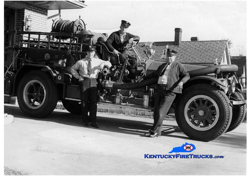 <center> RETIRED <br> Lexington  Engine 2 <br> 1925 American LaFrance 750/0 <br> Greg Stapleton collection </center>