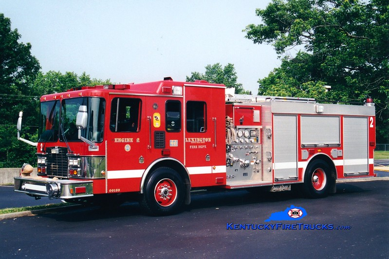 <center> *Reserve Engine 32 <br> Lexington  Engine 2 <br> 1999 HME/Smeal 1250/1000 <br> Greg Stapleton photo </center>