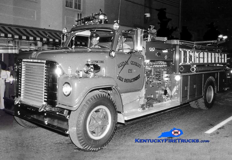 <center> RETIRED <br> Lexington  Engine 2 <br> x-Fayette County FD, KY <br> 1970 International Fleetstar/Ward LaFrance 1000/1000 <br> Greg Stapleton collection </center>