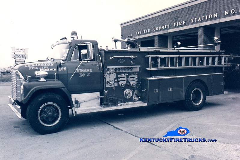 <center> RETIRED <br> Lexington  Engine 2 <br> x-Fayette County FD, KY <br> 1970 International Fleetstar/Ward LaFrance 1000/1000 <br> Greg Stapleton collection </center>