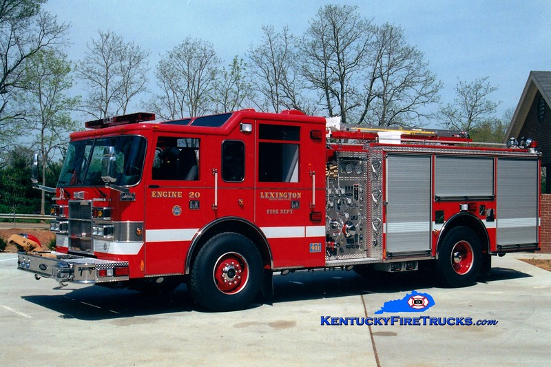 <center> Lexington  Engine 20 <br> 2000 Pierce Dash 1250/1000 <br> Greg Stapleton photo </center>