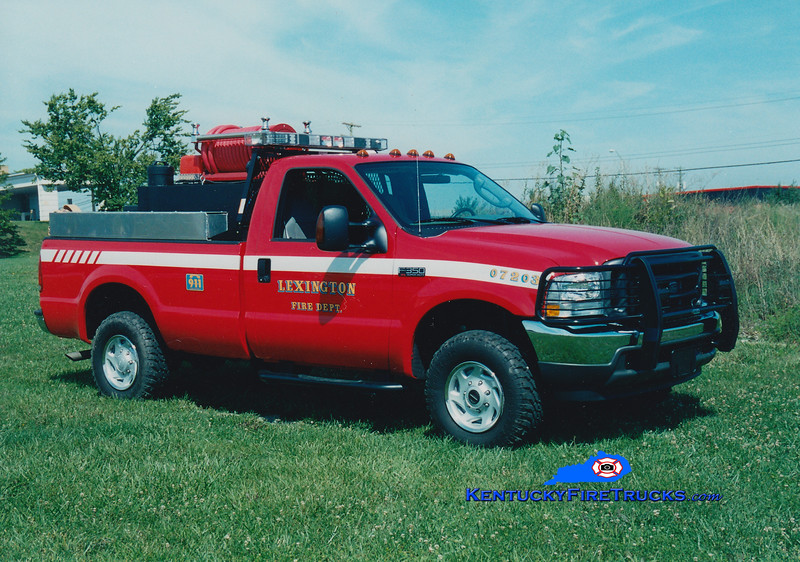 <center> Lexington  Brush Truck 2 <br> 2004 Ford F-350 4x4/UPF 250/250 <br> Greg Stapleton photo </center>