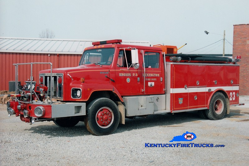 <center> RETIRED <br> Lexington  Engine 23 <br> x-Engine 18 <br> 1986 International/Steeldraulics 1000/1000 <br> Greg Stapleton photo </center>