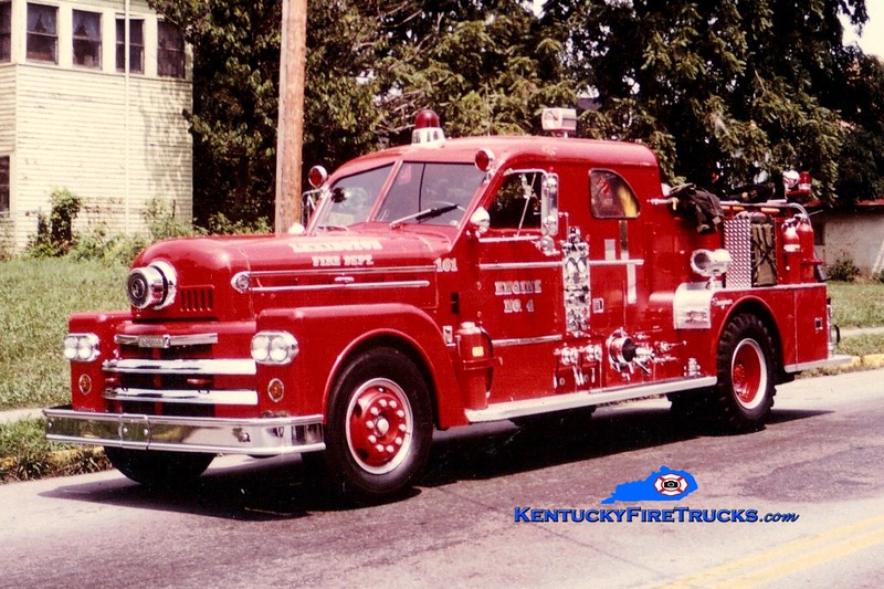 <center> RETIRED <br> Lexington  Engine 4 <br> 1963 Seagrave 1000/200 <br> Greg Stapleton collection </center>