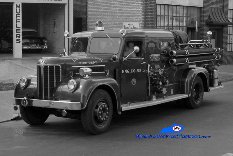 <center> RETIRED <BR> Lexington  Engine 5 <br> 1954 Maxim 750/200 <br> Greg Stapleton collection </center>