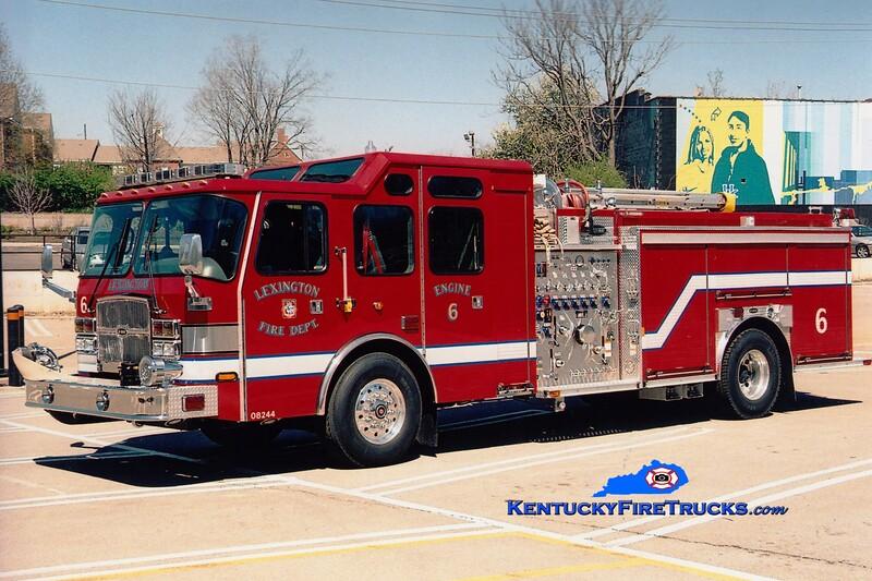 <center> Lexington  Engine 6 <br> 2005 E-One Cyclone II 1500/750/20/90 <br> Greg Stapleton photo </center>