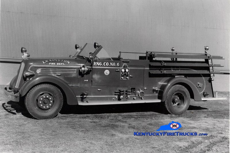 <center> Lexington  Engine 6 <br> *Delivery photo <br> 1948 Seagrave 1000/150 <br> Greg Stapleton collection  </center>