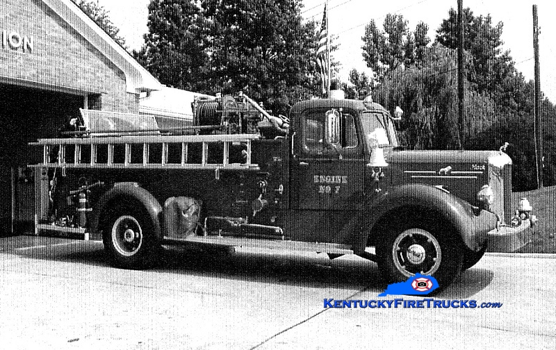 <center> RETIRED <br> Lexington  Engine 7 <br> x-Fayette County FD, KY <br> 1953 Mack LS 750/800 <br> Greg Stapleton collection </center>