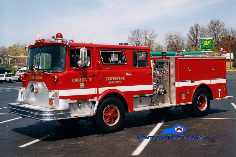 <center> RETIRED <br> Lexington  Engine 7 <br> 1977 Mack CF/1986 Marion/1993 Summit 1250/500 <br> Greg Stapleton photo </center>