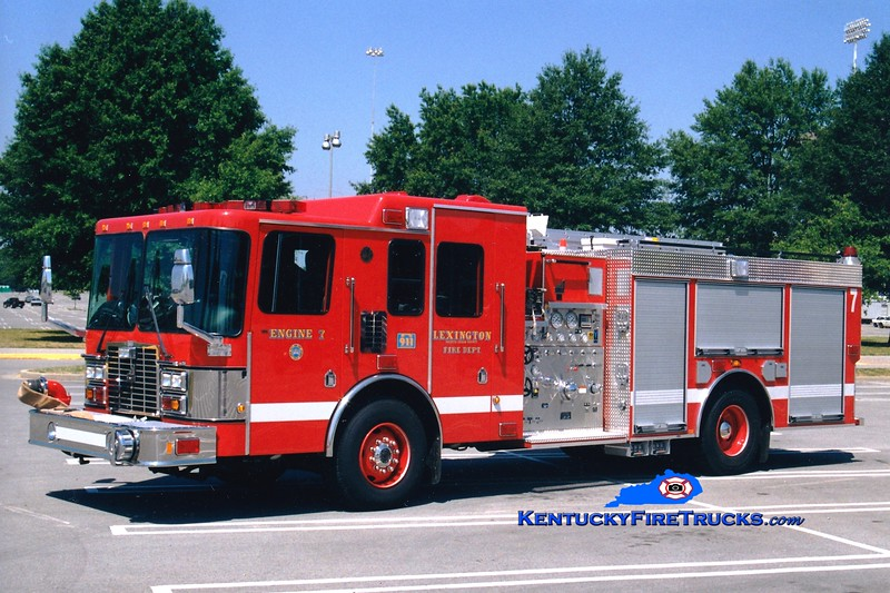 <center> Reserve Engine <br> Lexington  Engine 7 <br> 1999 HME/Smeal 1250/750 <br> Greg Stapleton photo </center>