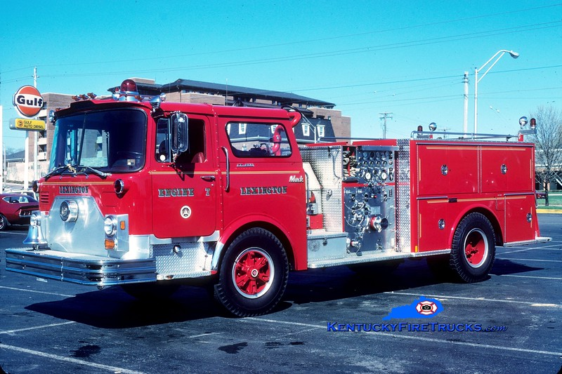 <center> RETIRED <br> Lexington  Engine 7 <br> 1977 Mack CF/1986 Marion 1250/500 <br> Greg Stapleton collection </center>