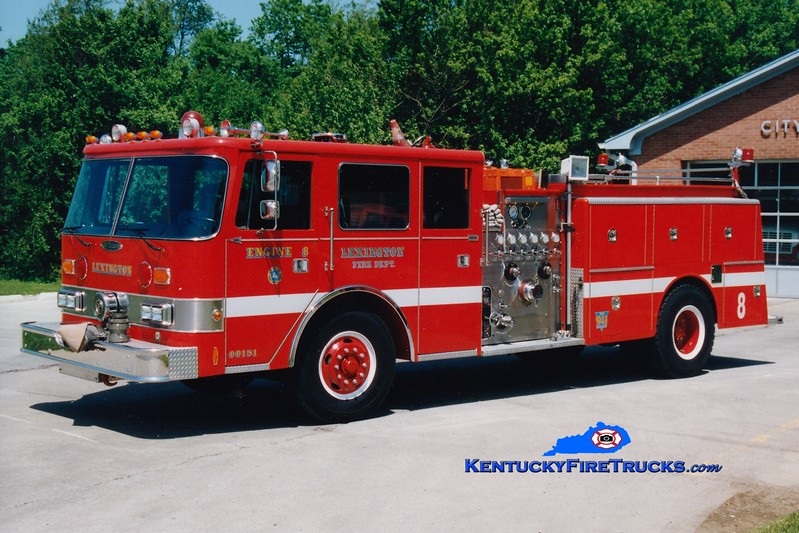 <center> RETIRED <br> Lexington, KY  Engine 8 <br> 1989 Pierce Arrow/1979 American LaFrance  1250/1000 <br> Greg Stapleton photo </center>