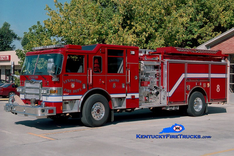 <center> RETIRED <br> Lexington, KY  Engine 8 <br> 2006 Pierce Dash 1500/1000/50 <br> Greg Stapleton photo </center>