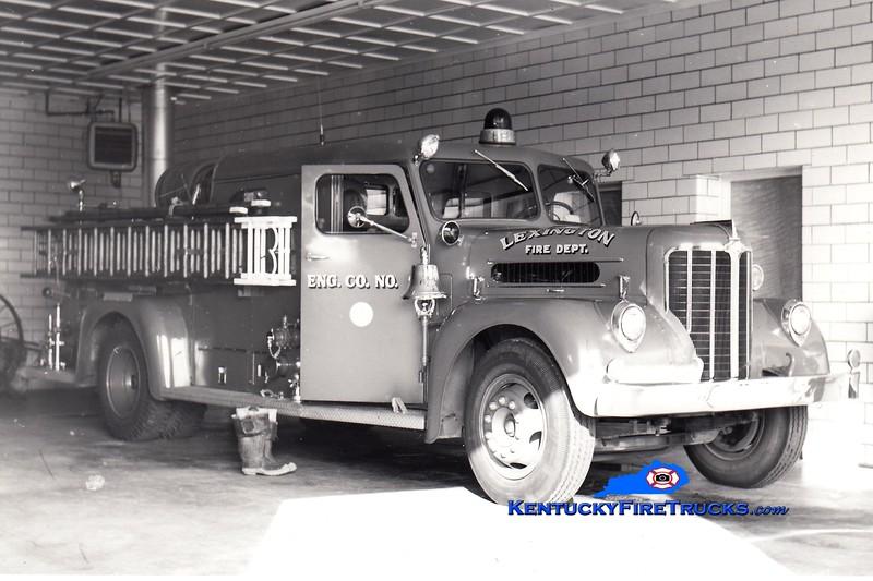 <center> RETIRED <br> Lexington, KY  Engine 9 <br> x-Engine 5 <br> 1954 Maxim 750/150 <br> Greg Stapleton photo </center>