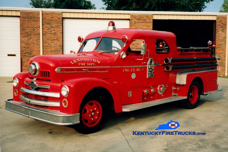 <center> RETIRED <br> Lexington Engine 9 <br> x-Engine 2 <br> 1953 Seagrave 750/150 <br> Greg Stapleton photo </center>