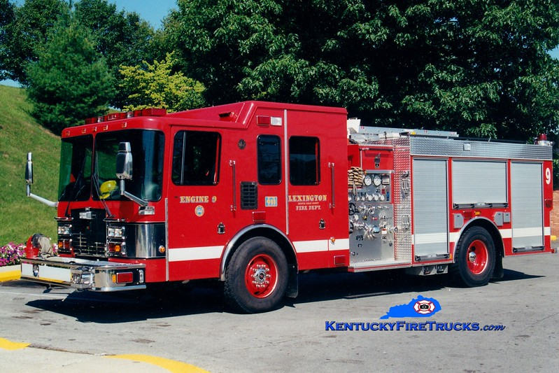 <center> Lexington  Reserve Engine <br> x-Engine 9 <br> 2000 HME/Smeal 1250/750  <br> Greg Stapleton photo </center>